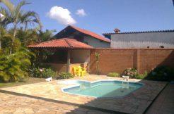 Casa com piscina para alugar em Torres