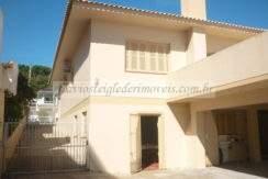 Ampla casa a venda em Torres
